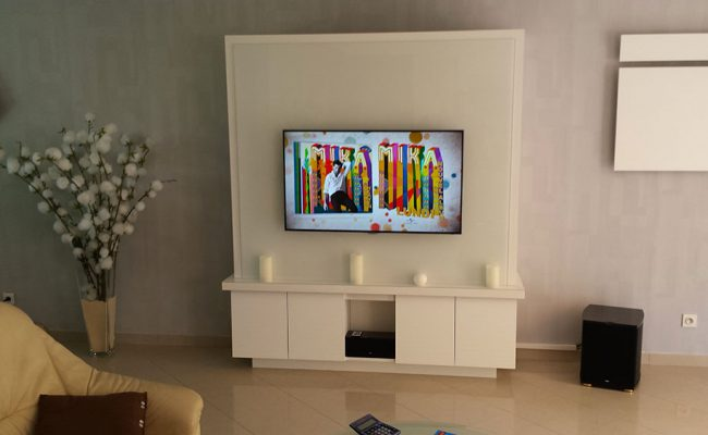 real-showroom-2